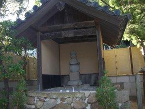須磨寺 敦盛公墓所(首塚)