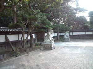 中門広場 狛犬