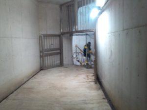 湊川隧道 出口