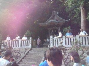 原野 天津彦根神社の餅まき