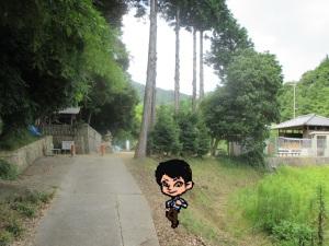 野の八阪神社にやってきました
