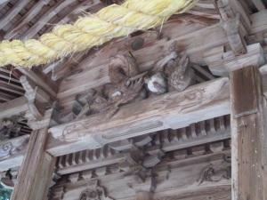 原野 八阪神社の拝殿の彫刻