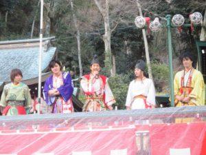 諏訪神社 餅まき 2