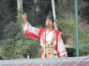諏訪神社 餅まき 3